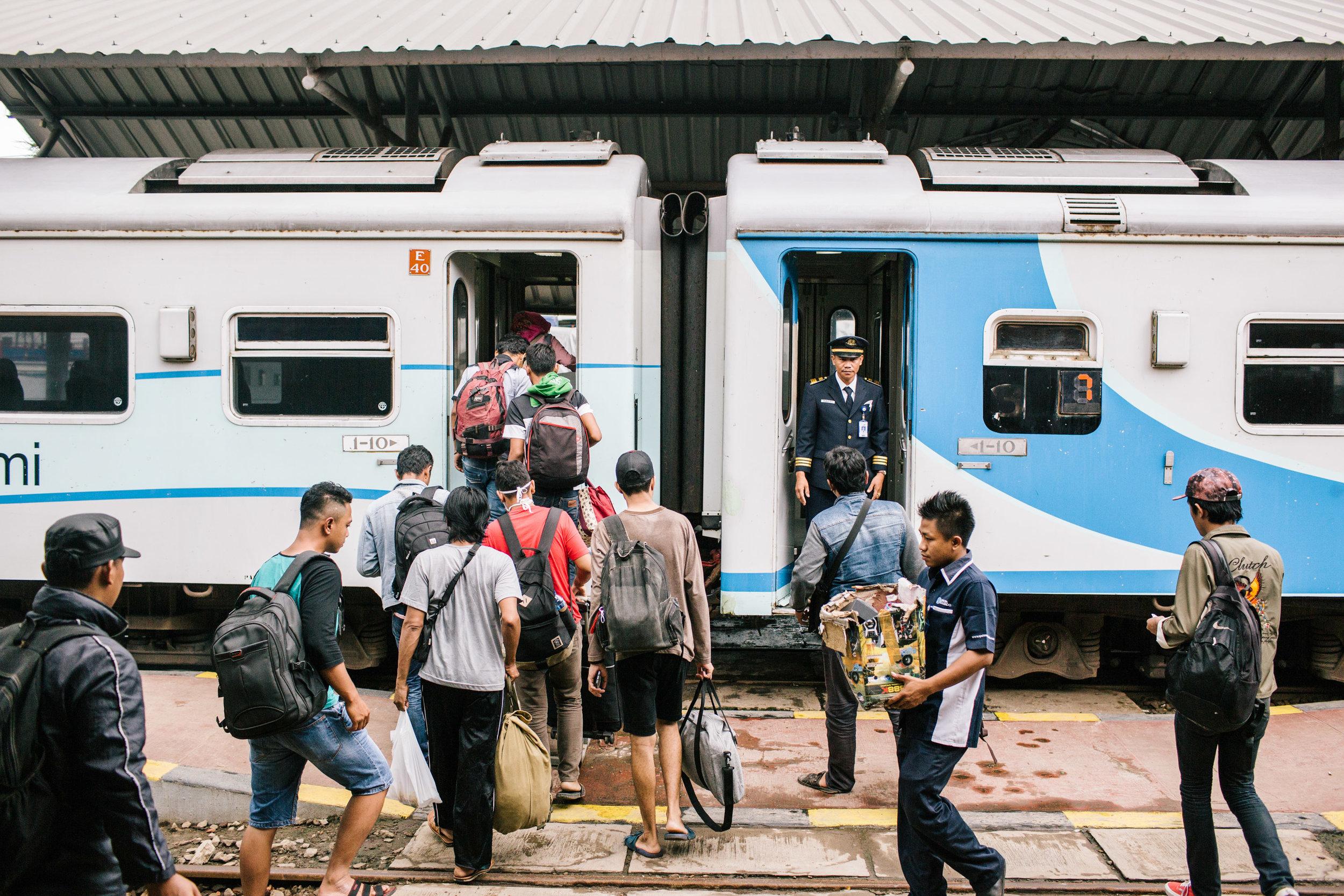 Agung Parameswara_Krakatau Express_27.JPG