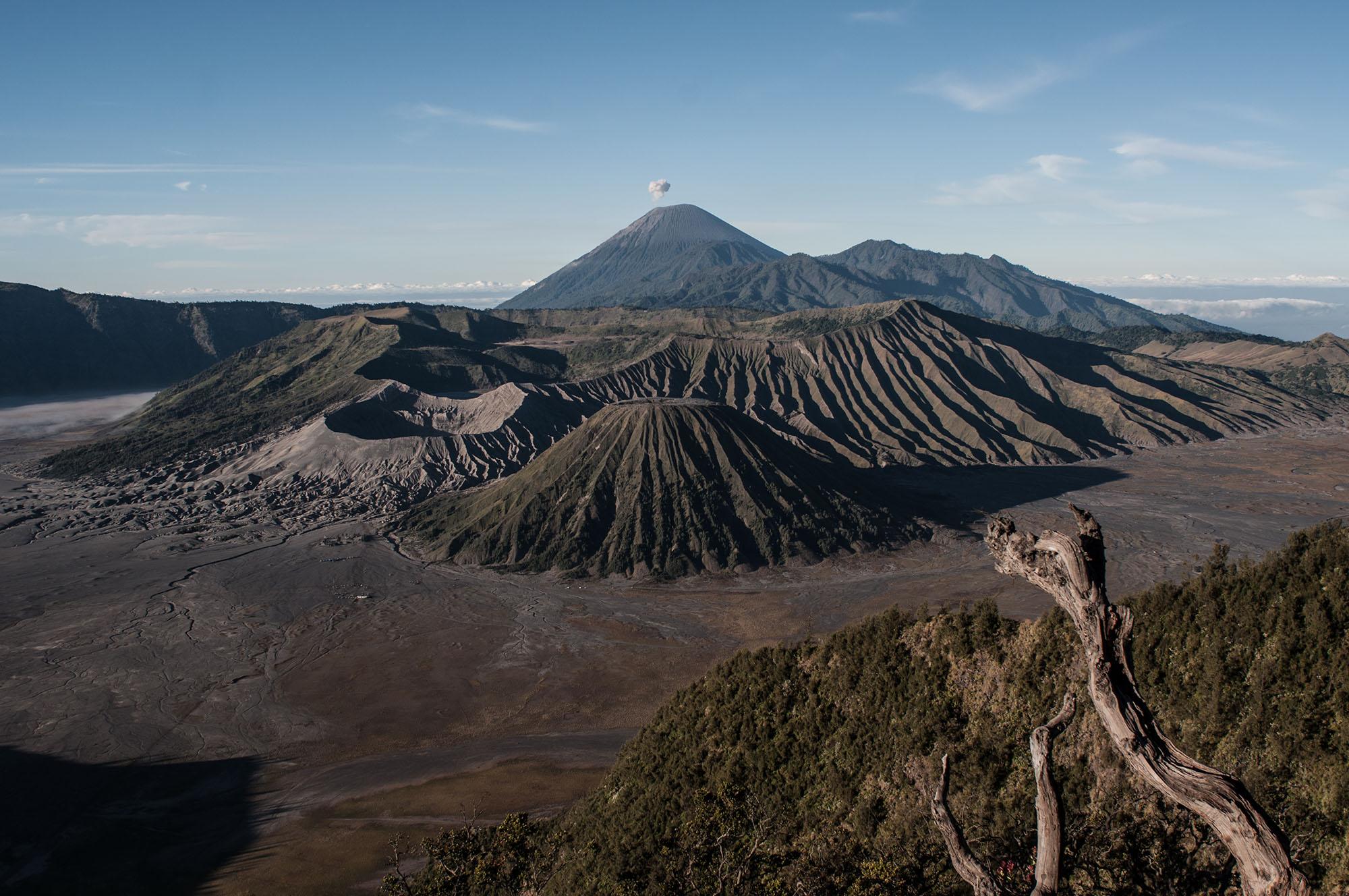 WebSP_crater of hope_AgungParameswara_002.JPG