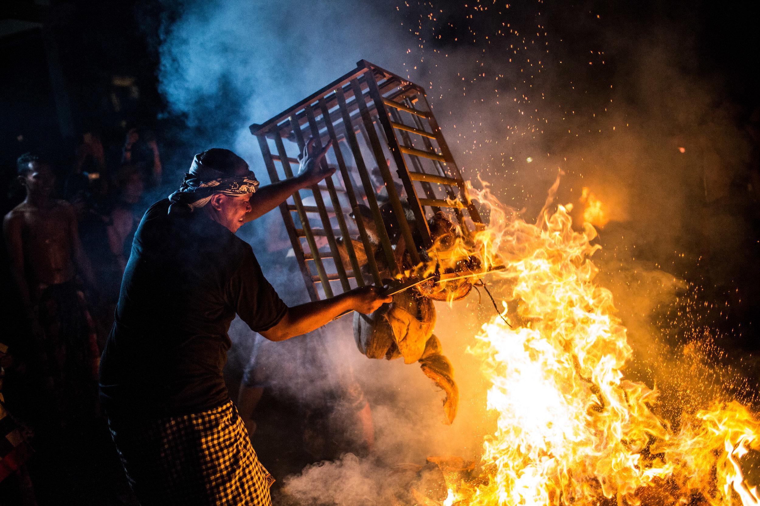 Agung Parameswara_sacred fire_006.jpg