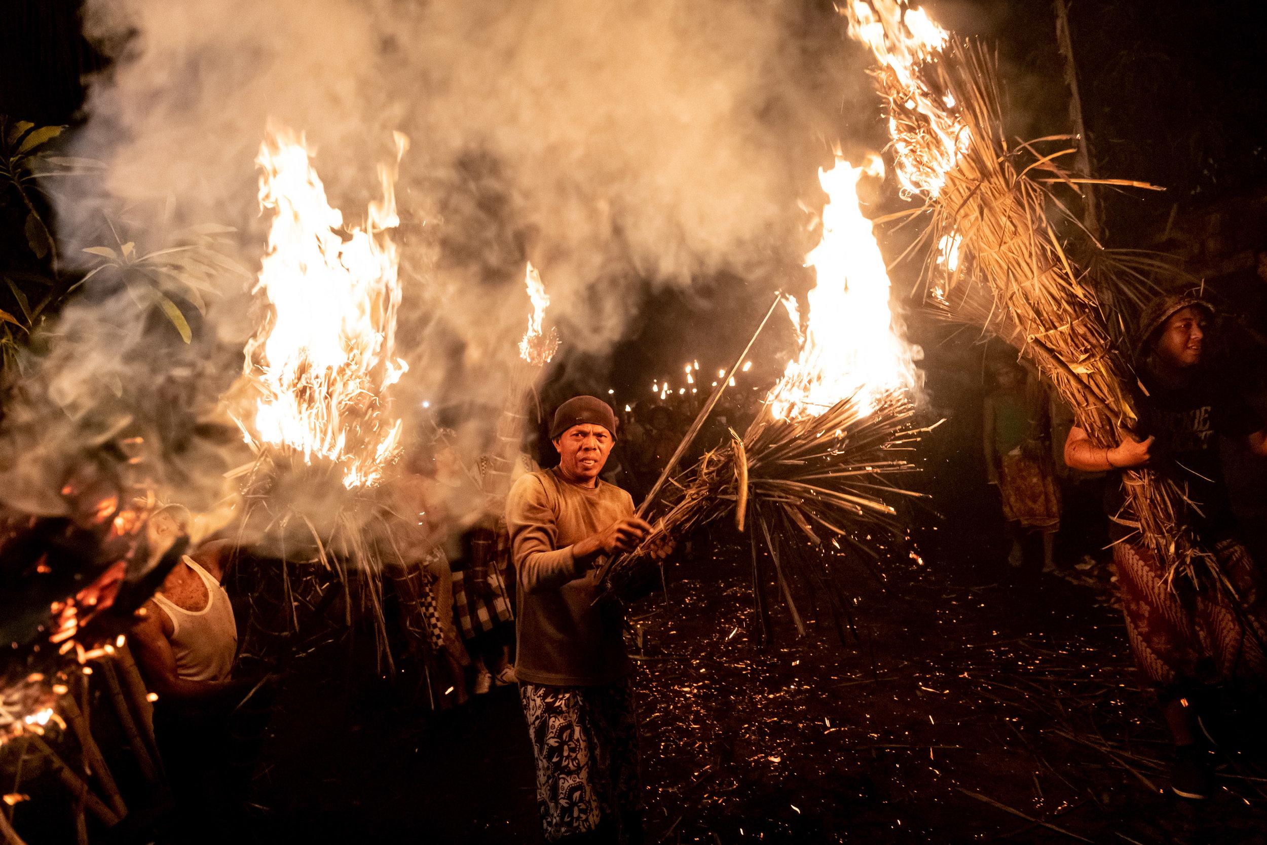 Agung Parameswara_sacred fire_010.jpg