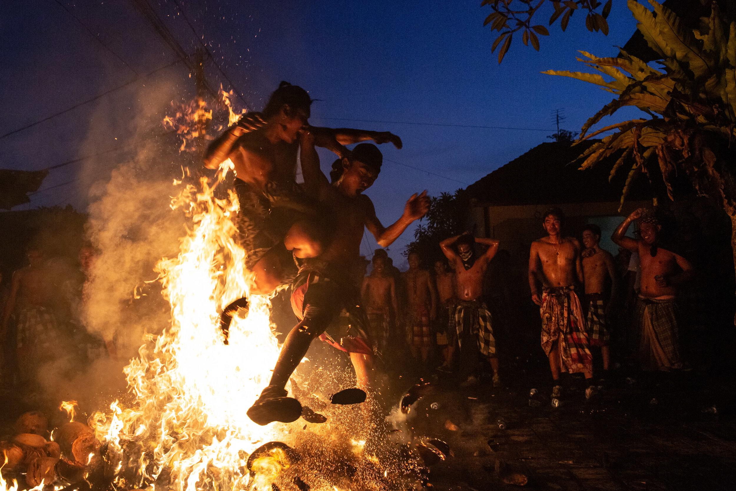 Agung Parameswara_sacred fire_011.jpg