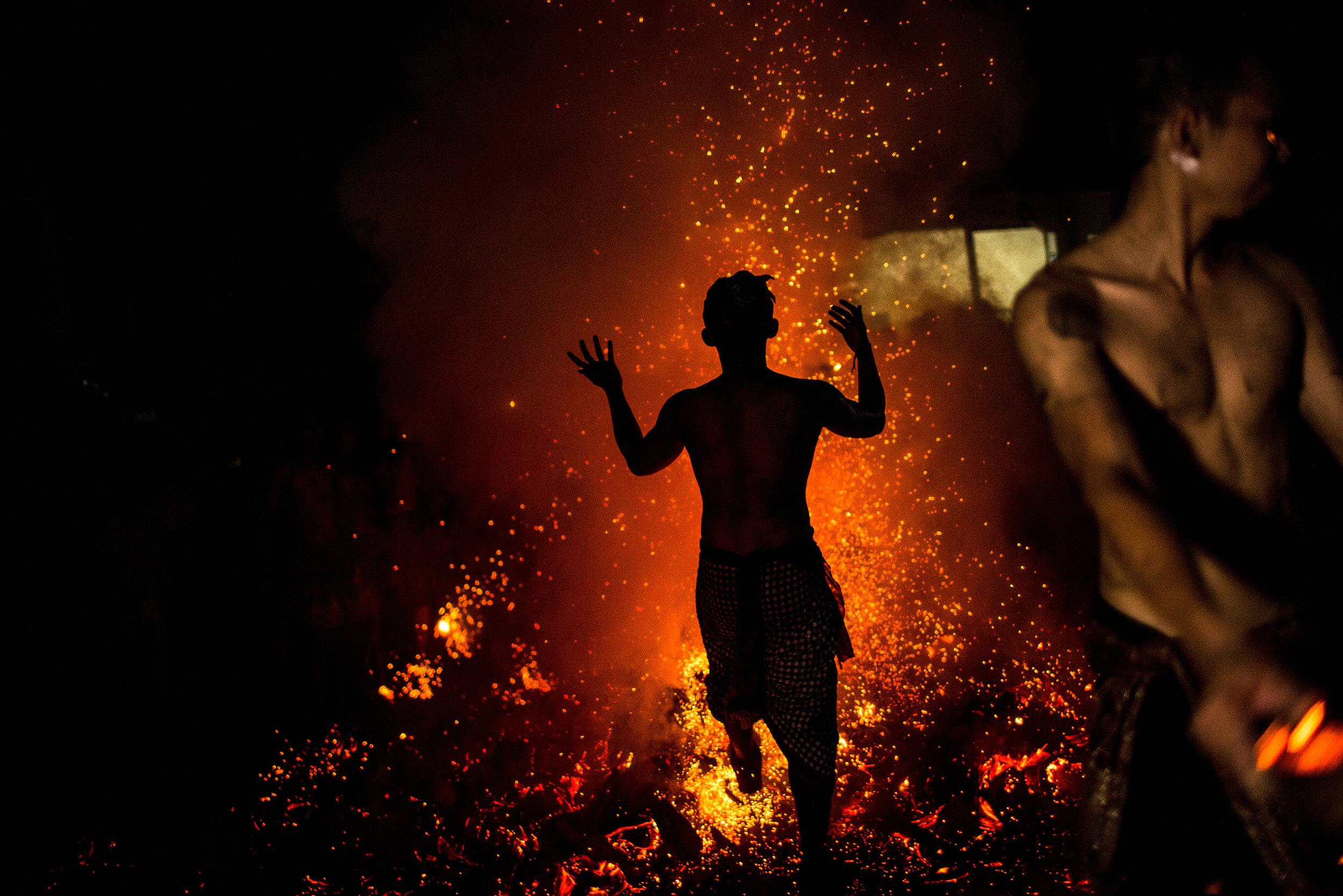 Agung Parameswara_sacred fire_017.jpg