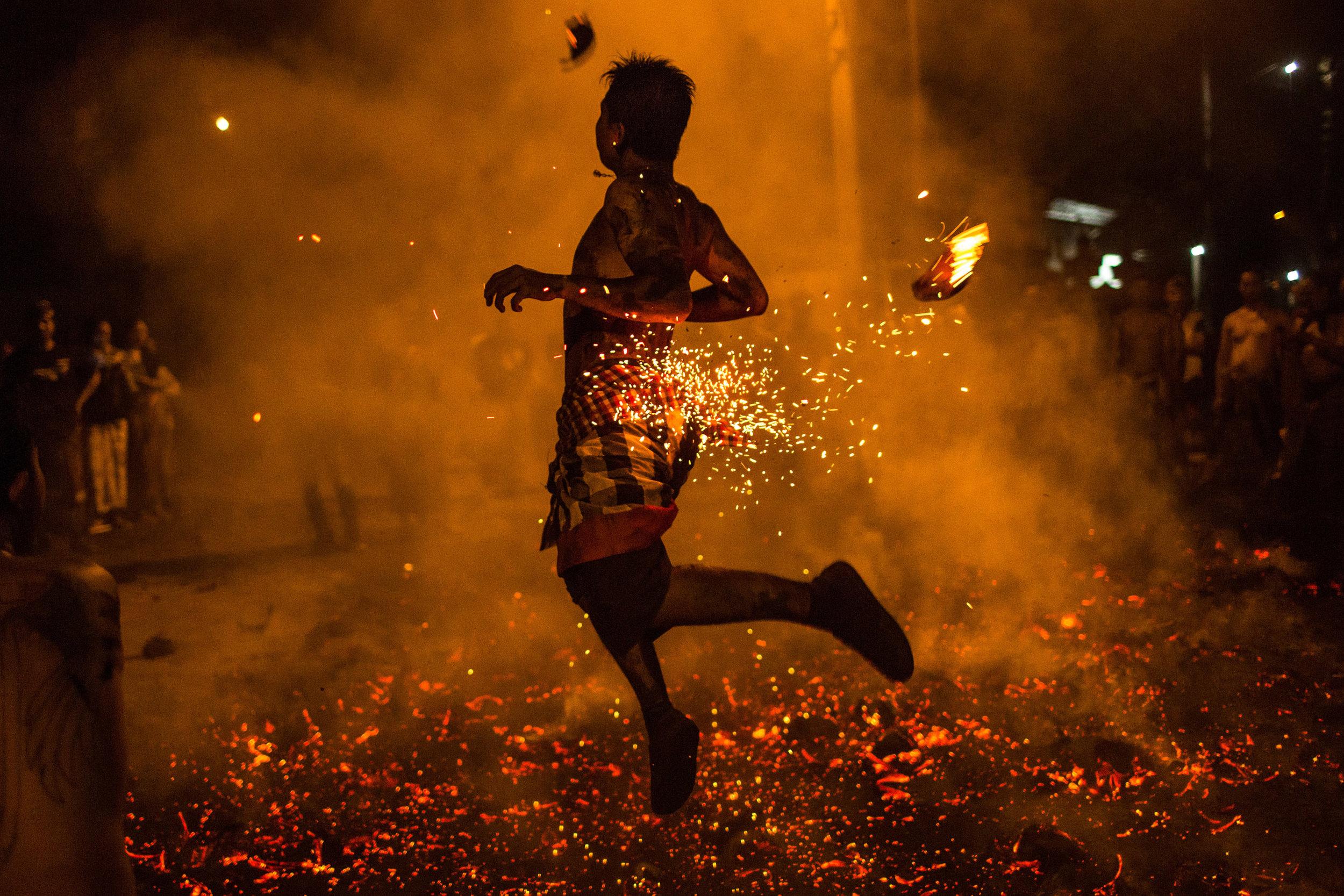 Agung Parameswara_sacred fire_019.jpg
