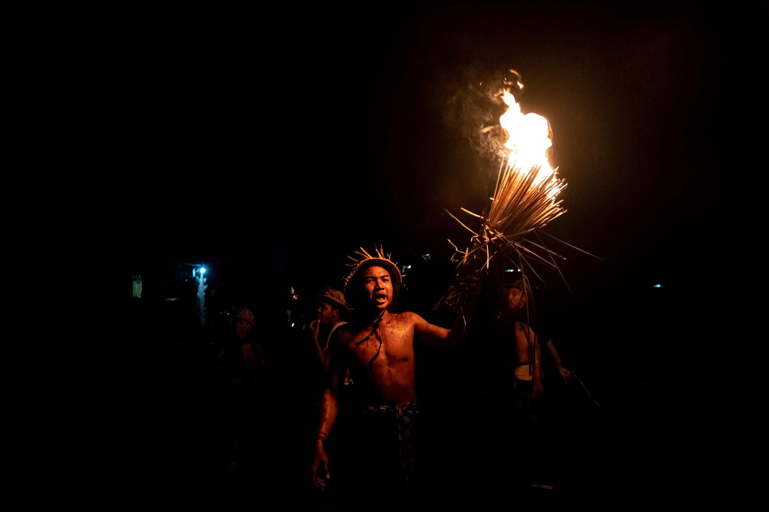 Agung Parameswara_sacred fire_027.jpg