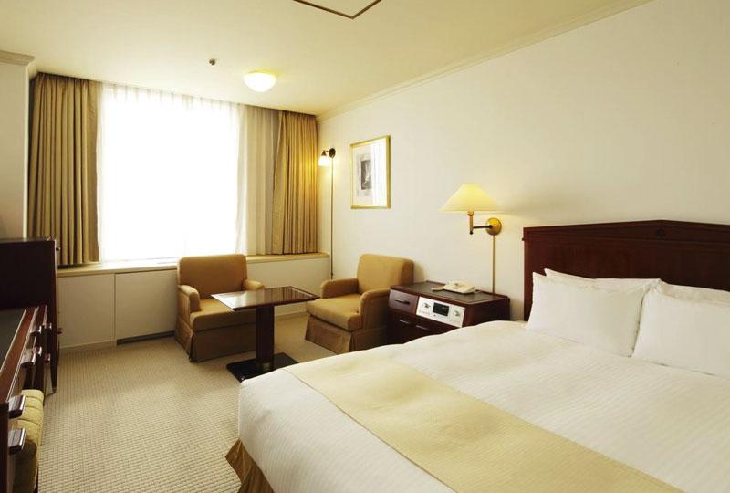 Sapporo-Grand-Hotel-01.jpg