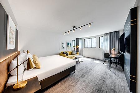 vibe-hotel-sydney-guest-room-bedroom-king-V1-04-2018.jpg