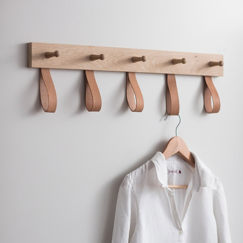 Wall décor - Everything you need to utilise any hanging space.