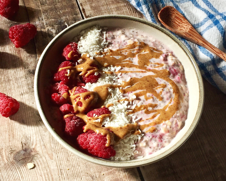 Raspberry+%26+Vanilla+Overnight+Oats+Nourish+by+Rebecca.jpg