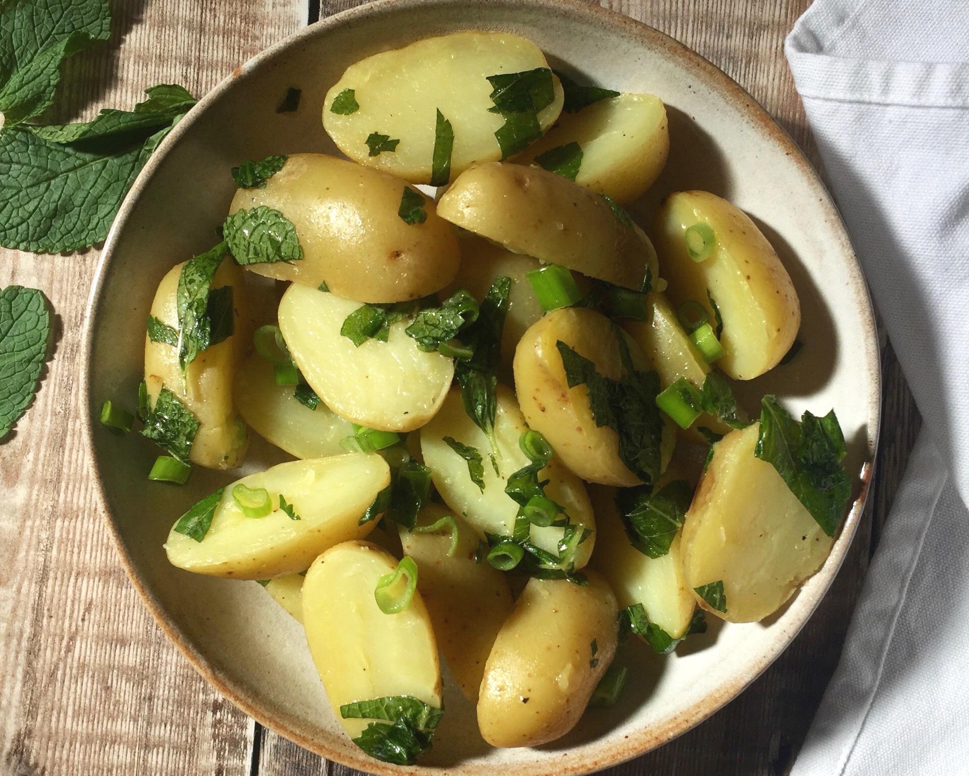 Potato+Salad+with+Mint+%26+Lemon+Dressing+Nourish+by+Rebecca.jpg