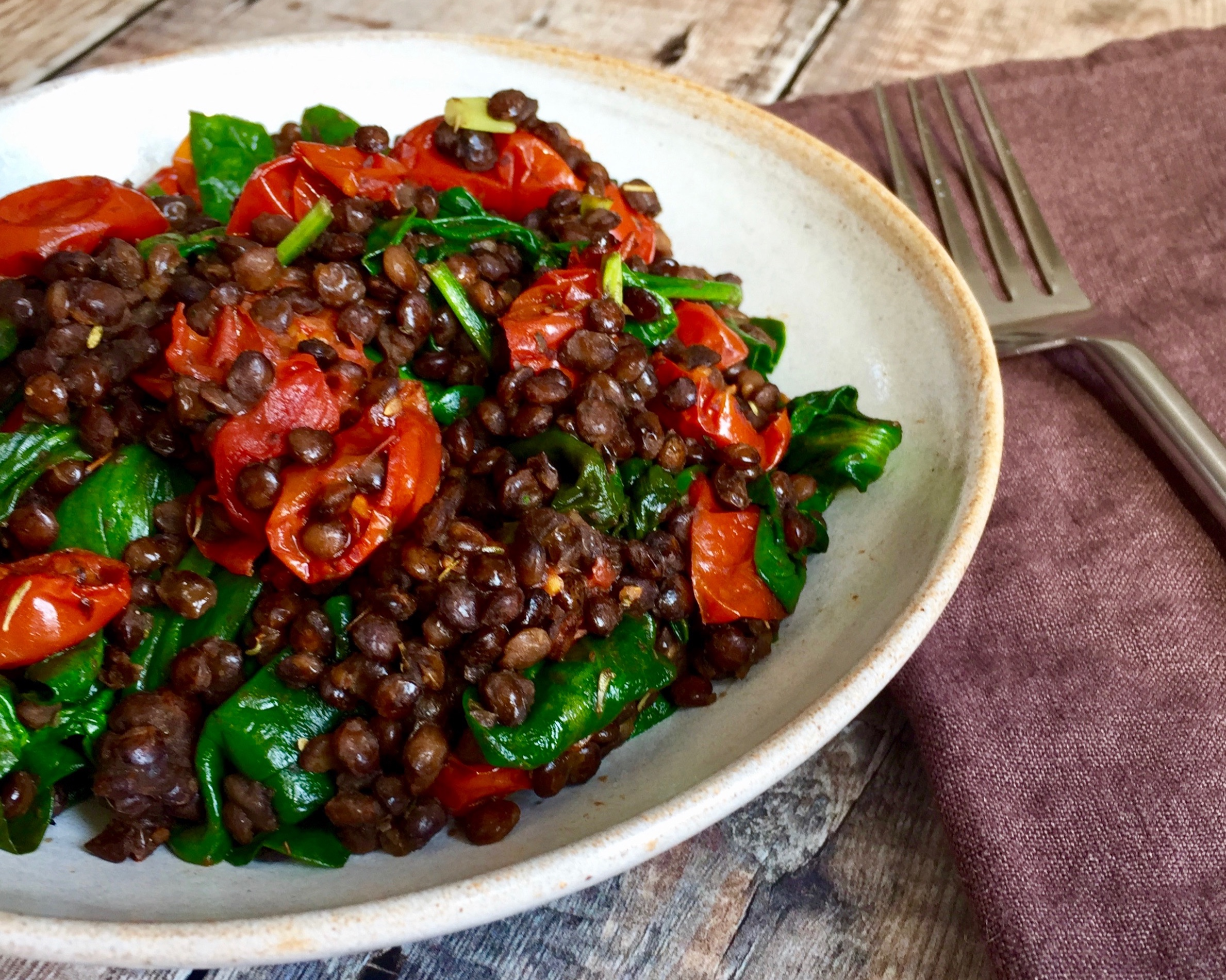 Puy+Lentil%2C+Spinach+%26+Roast+Tomato+Salad+Nourish+by+Rebecca.jpg