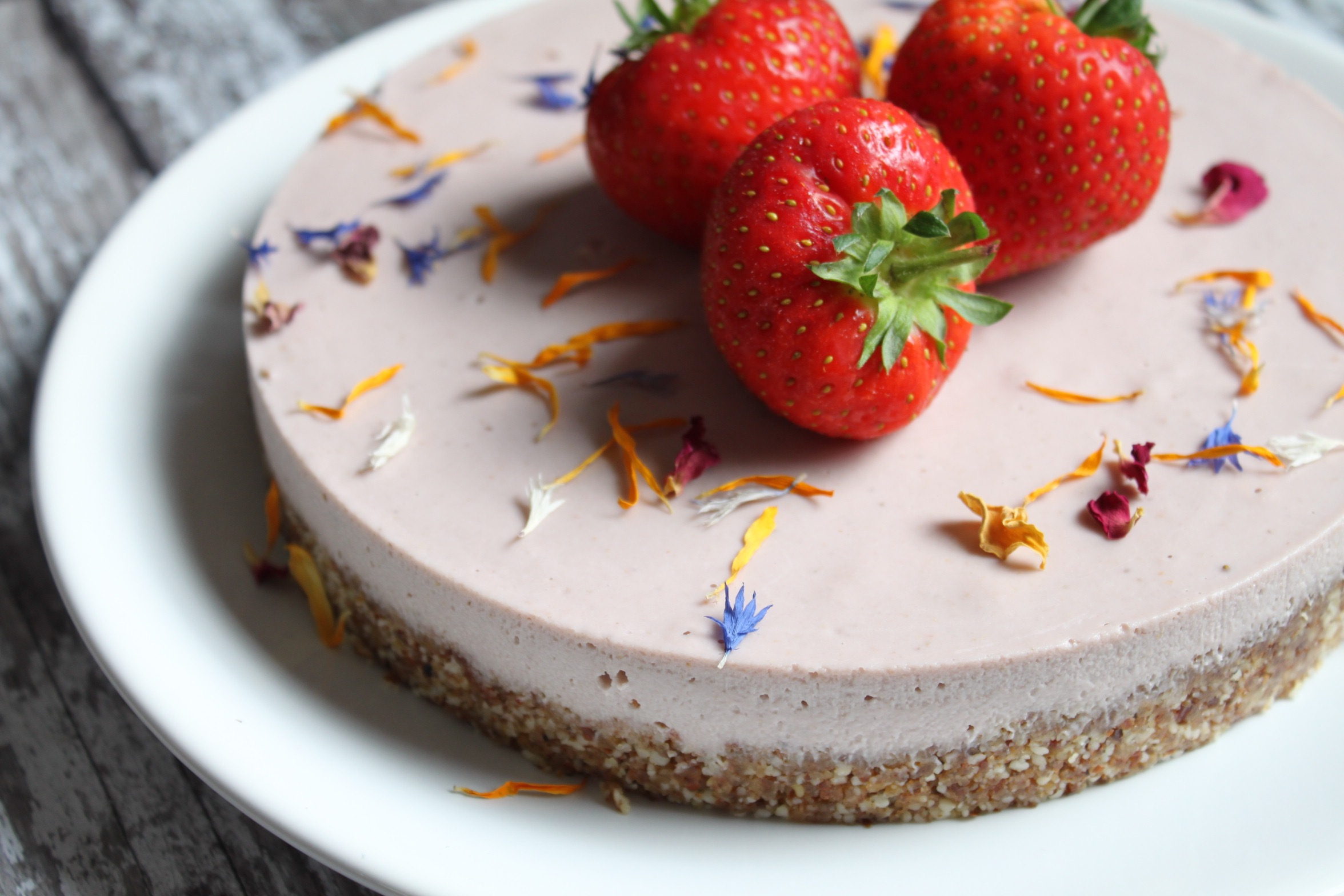 Strawberry No-Cheese Cake