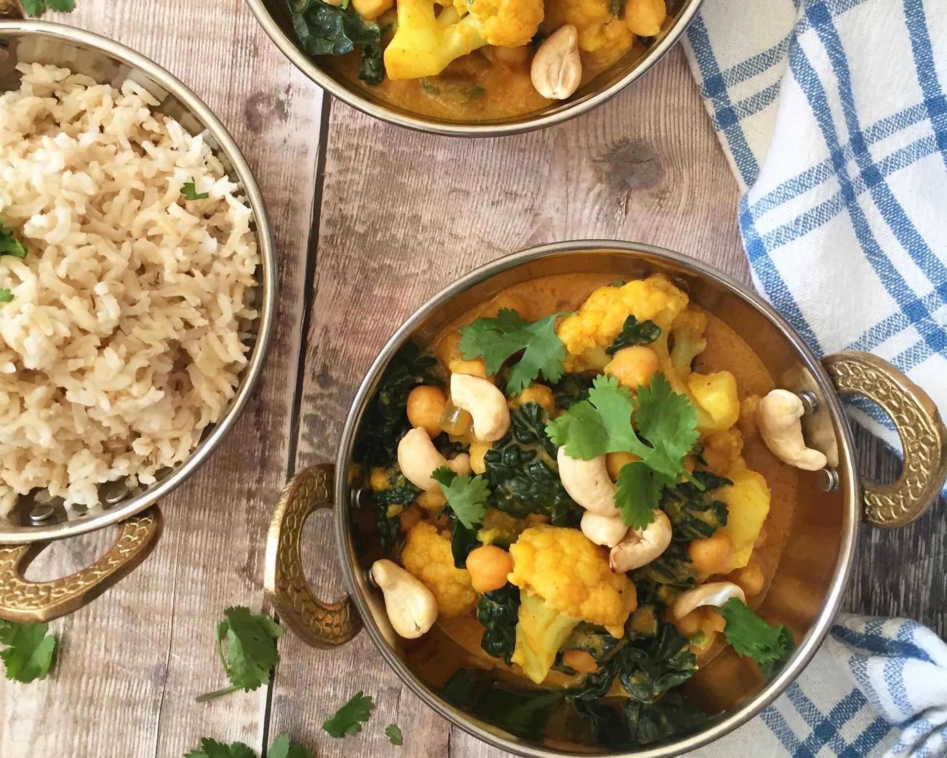 Creamy+Cauliflower%2C+Kale+%26+Chickpea+Curry+Nourish+by+Rebecca.jpg