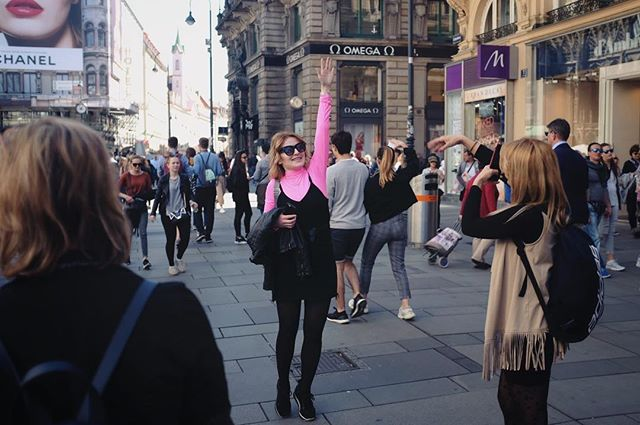 Vienna roundup of mostly weird tourists  #streetlife #everybodystreet  #wearethestreet #dreaminstreets #streetshood #touriststuff #somewheremagazine #ourstreets #thisaintartschool #fujilove