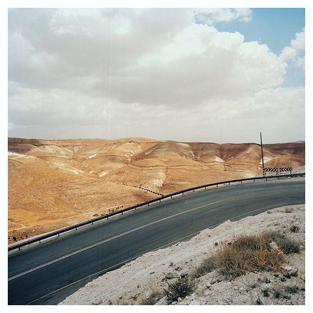 Road to Ramallah  #documentingspace #peachestate #thisaintartschool #mediumformat #6x6 #kodakportra400 #shootfilmstaybroke #analogphotography #filmphotography