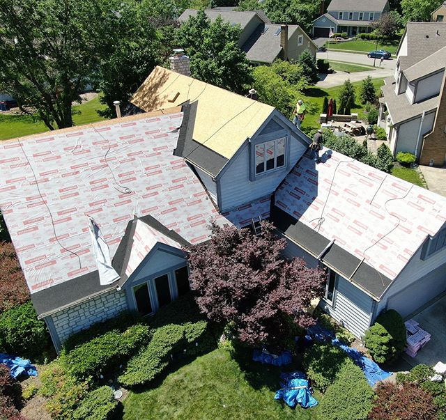 Recently replaced roof in central Ohio, completely paid for by Insurance, we even got her insurance to buy her some new gutters! #614 #insurance #roofing #roofingcontractor #ohio #exteriors #gutters