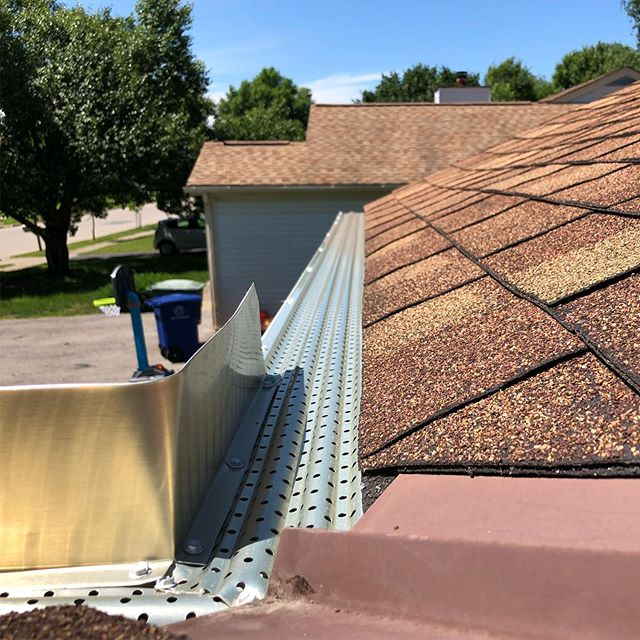 New @plygem gutters and gutter guard, this home will not have to clean their gutters for a long time! #gutter #gutterguards #gutterguard #LeafLogic #plygem #nomoreclogs #moneysaver