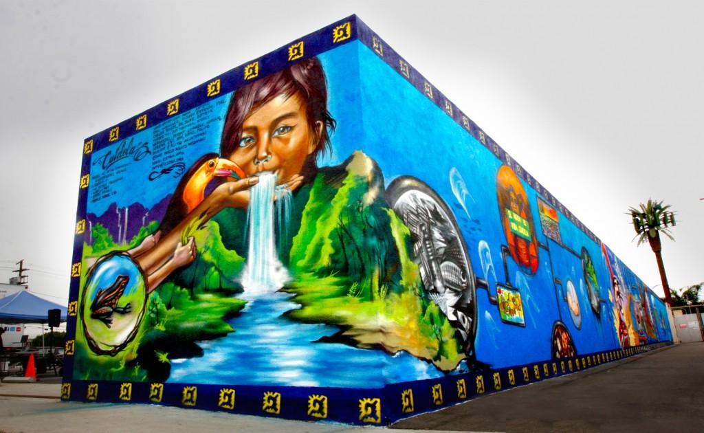 image: Cuidela Mural, Los Angeles. Courtesy of    The Estria Foundation   .