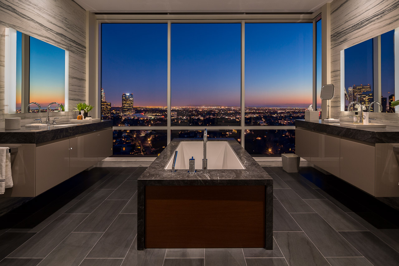 Bathroom-Night-View-2.jpg