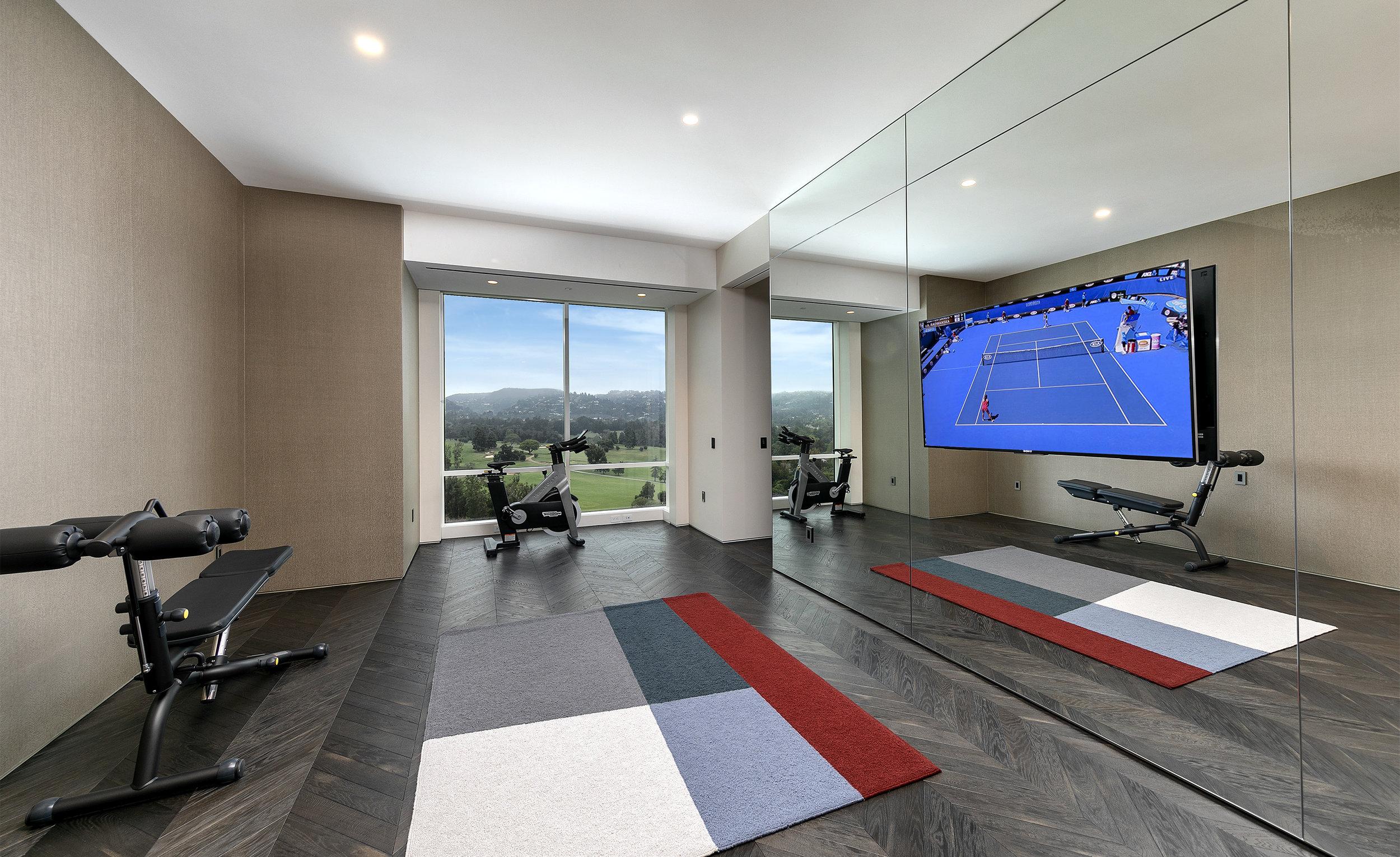 24-Gym-18.jpg