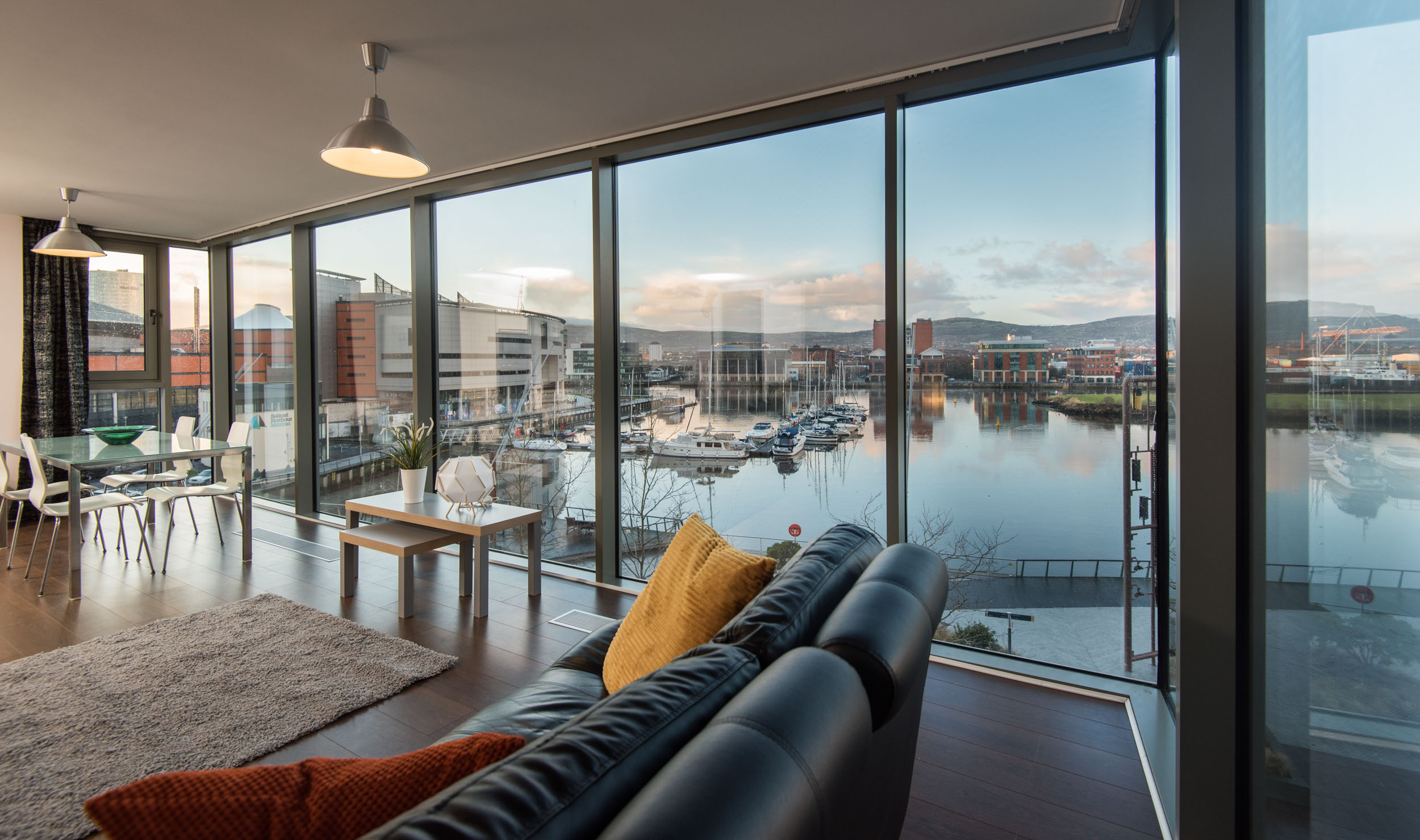 Marina View - Belfast Self Catering2.jpg