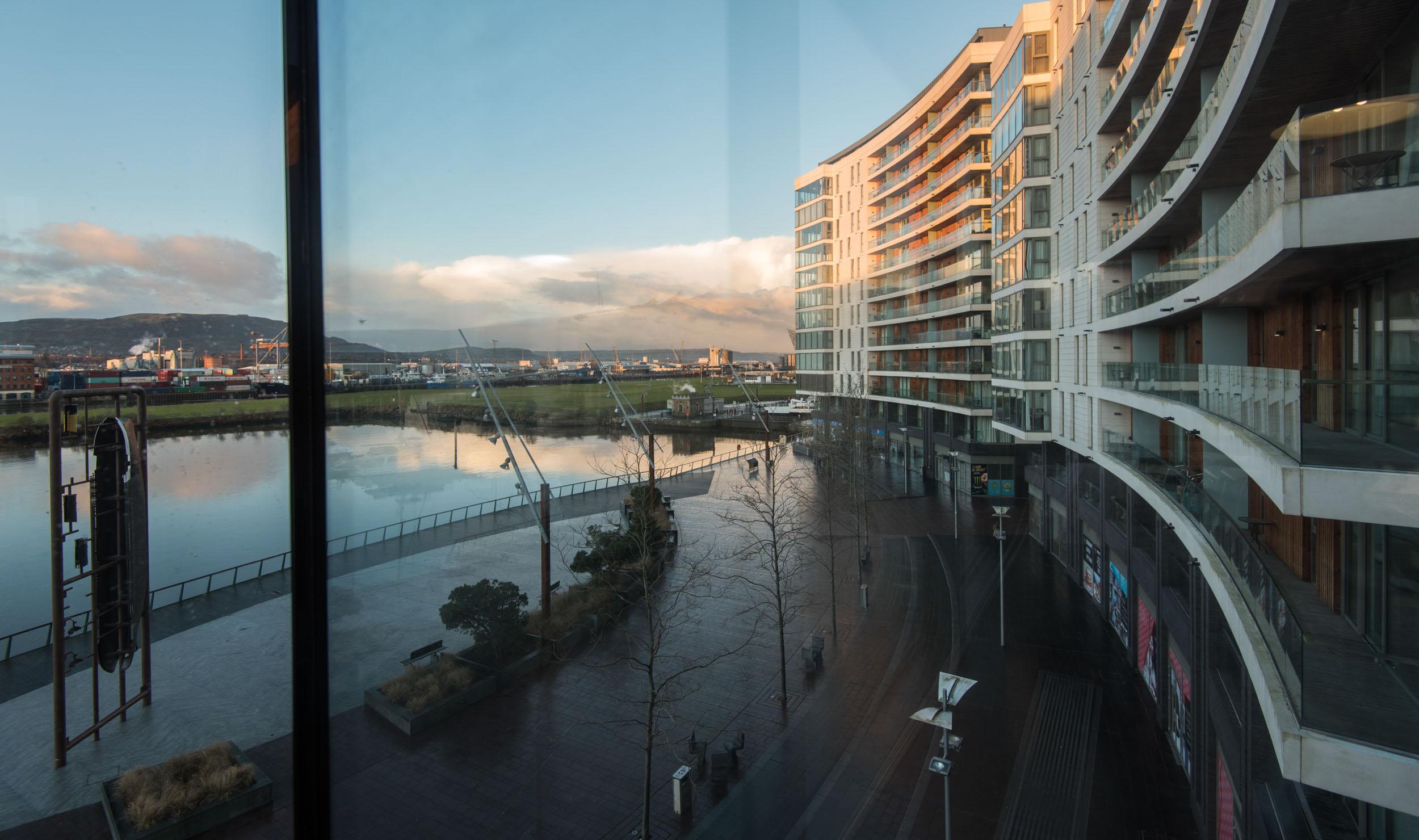 Marina View - Belfast Self Catering3.jpg