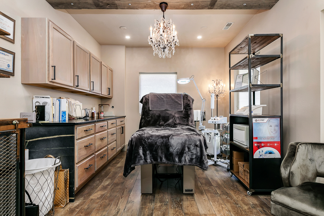 Boise, Idaho med spa specializing in Botox, fillers, dermal fillers, facials, and more. Offering top-of-the-line skin care products and treatments for the Treasure Valley.