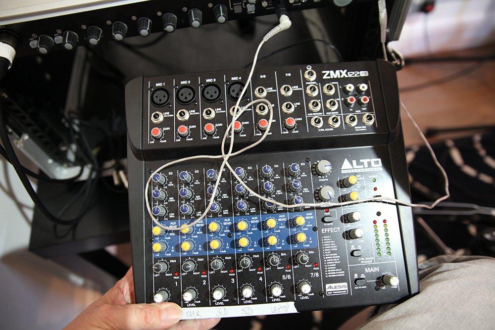 wee_mixer.jpg