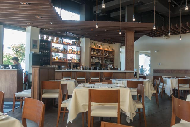 MW Restaurant Bar Area