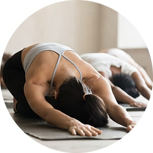 Stefanie_Lolivret_Yoga_cours.jpg