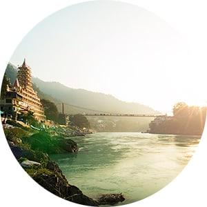 Stefanie_Lolivret_Voyages_Inde_Rishikesh_Lakshman.jpg