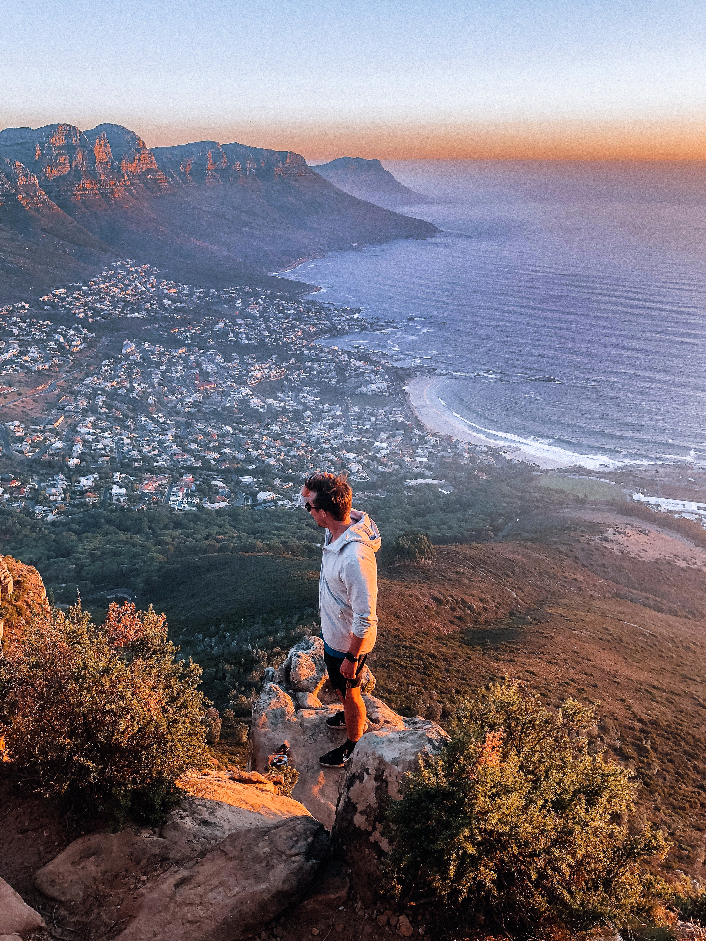 Passionate Experts - South African born-and-bred we believe there is no one better to show you the best of this glorious country. That is why we work with our extensive network of contacts to curate memorable experiences and fascinating itineraries. We love our country and want you to fall in love with it too, exploring everything from national parks to the Winelands and Cape Town.