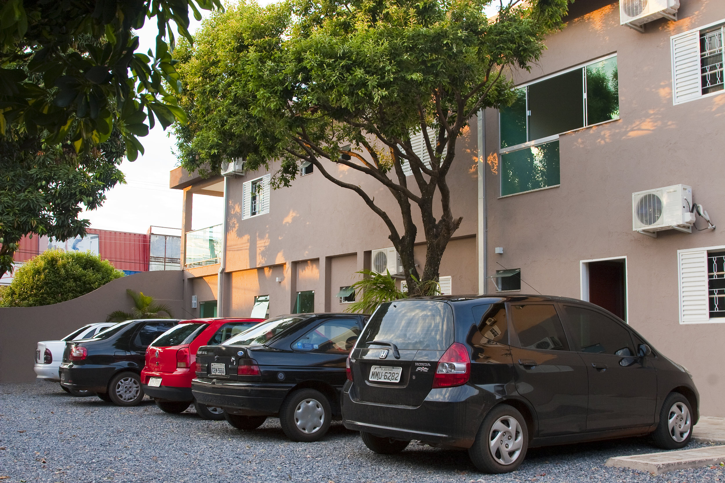 pousada_calliandra_estacionamento_20101223_0013.jpg