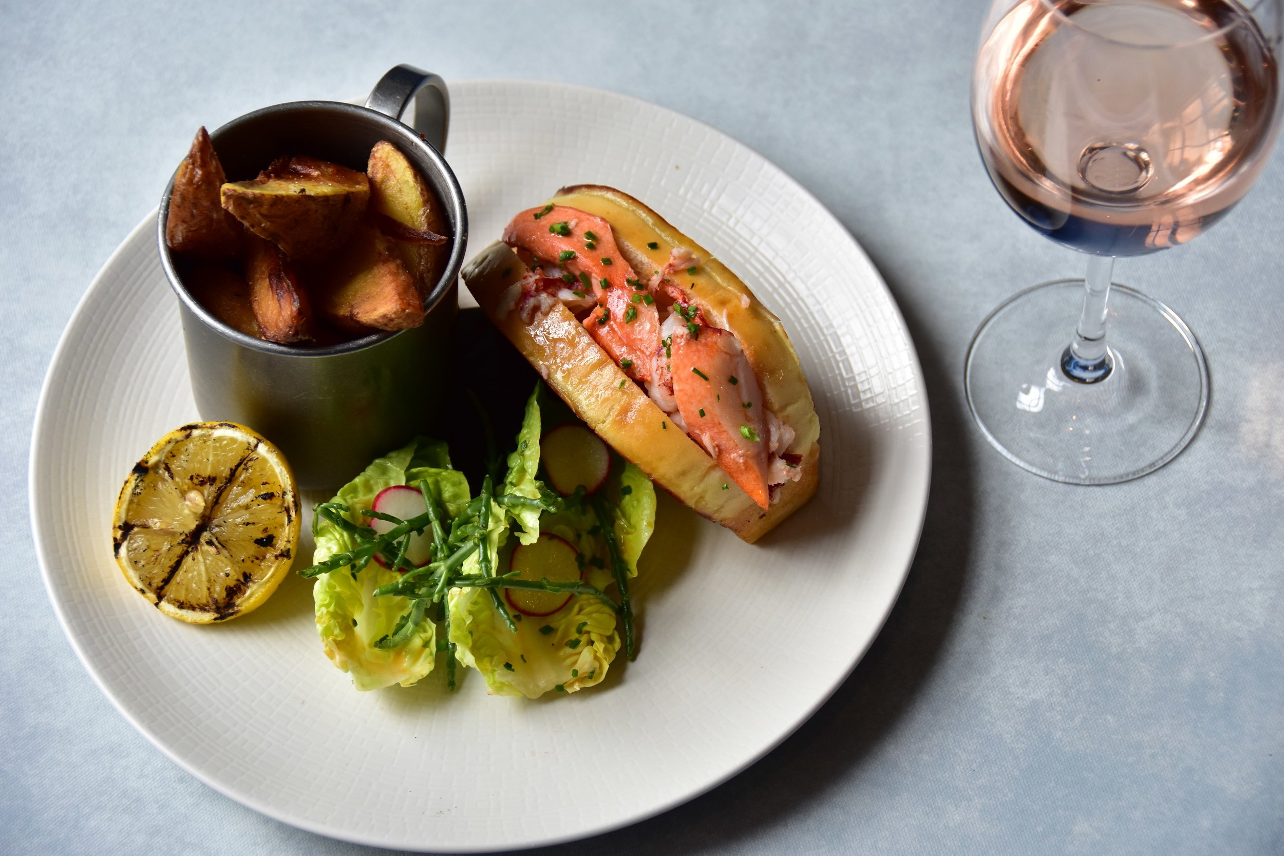 Lobster rolls on the menu at 3 Edinburgh pubs this Summer - Read full article here