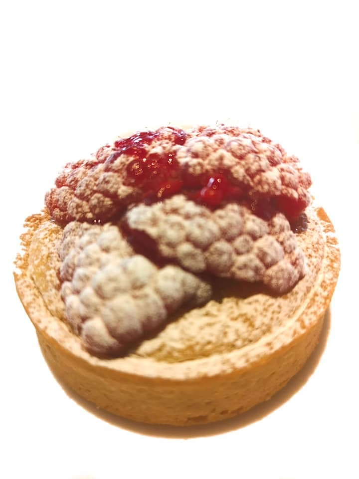 raspberyr tart.jpg