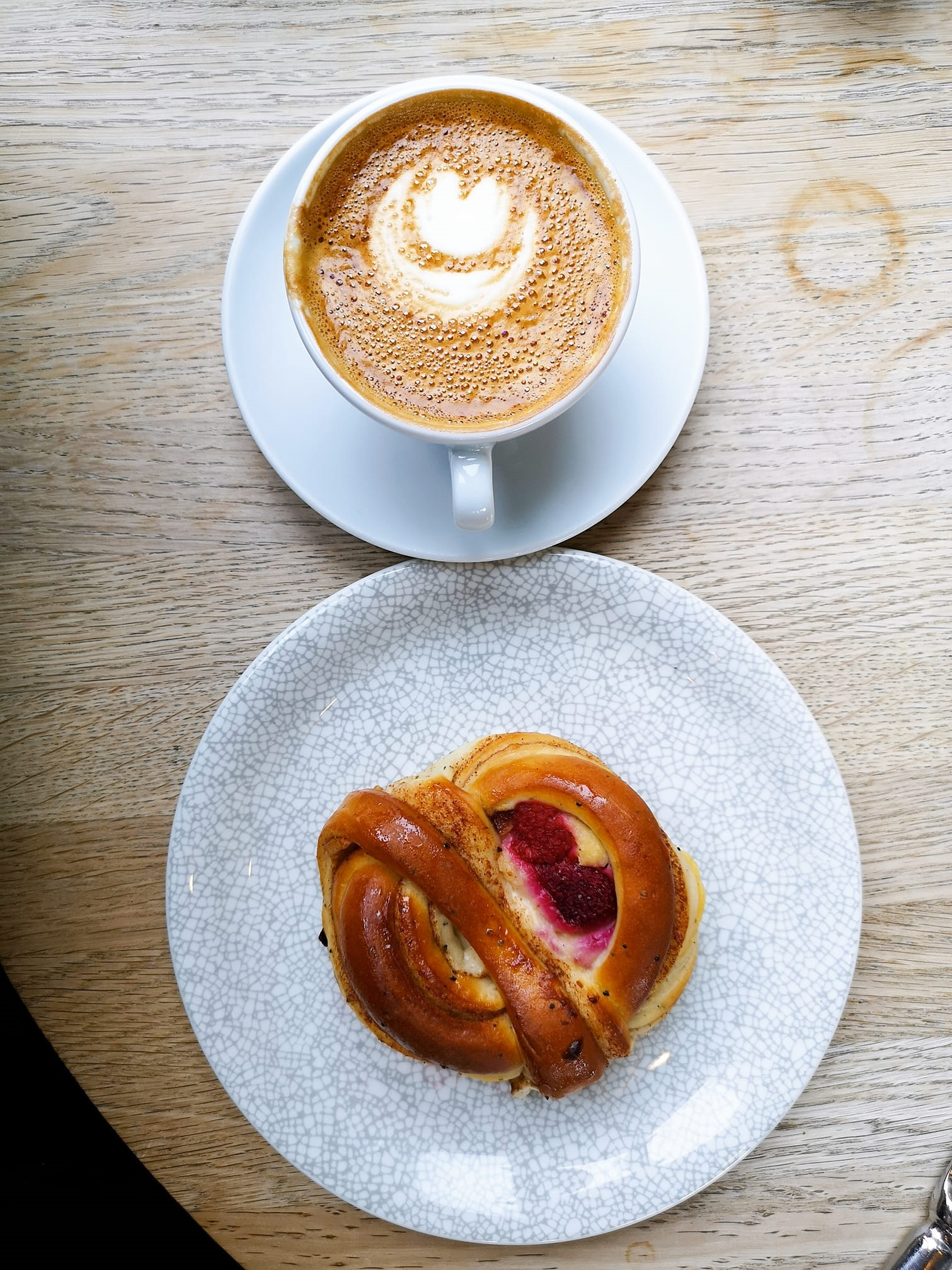Soderberg - A few dotted around Edinburgh providing superb Swedish pastries and delicious omelettes.www.soderberg.uk