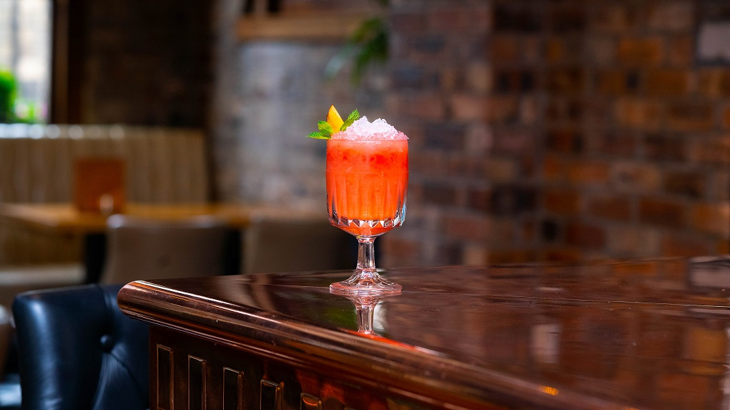 GIN AND THE GIANT PEACH : Gordon's Pink Gin, Chase Rhubarb Vodka, Strawberry Purée, Peach Bitters and Lemon Juice, topped with Rose Lemonade