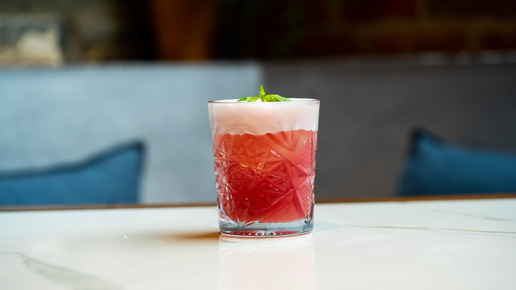 RASPBERRY, HIBISCUS & BASIL STUNNER : Crystal Head Vodka, Hibiscus & Basil Syrup and Lemon Juice, topped with Raspberry Berliner Weiss Beer