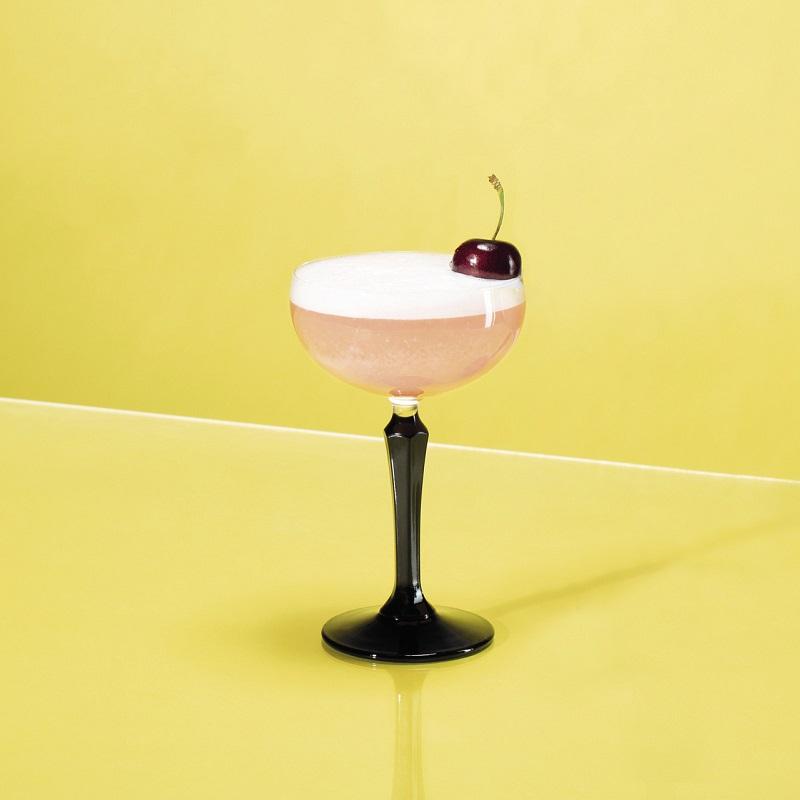 CLOUD NINE : Rose-Infused Tanqueray Gin, Balsazar Rosé Vermouth, Absinthe, Grapefruit & Lemon