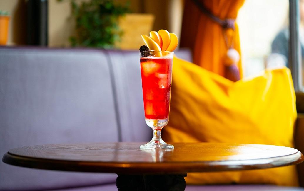 FRUITS OF FIFE : Eden Mill Gin, Crème de Mûre, Lemon Juice and Apple Juice