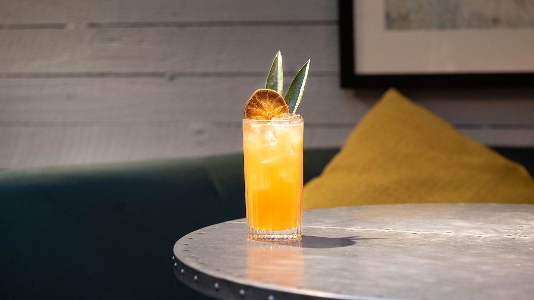 IT'S A SUMMER TING : Beefeater Blood Orange Gin, Aperol, Passion Fruit Syrup, Lemon Purée and Mango Purée, topped with Ting
