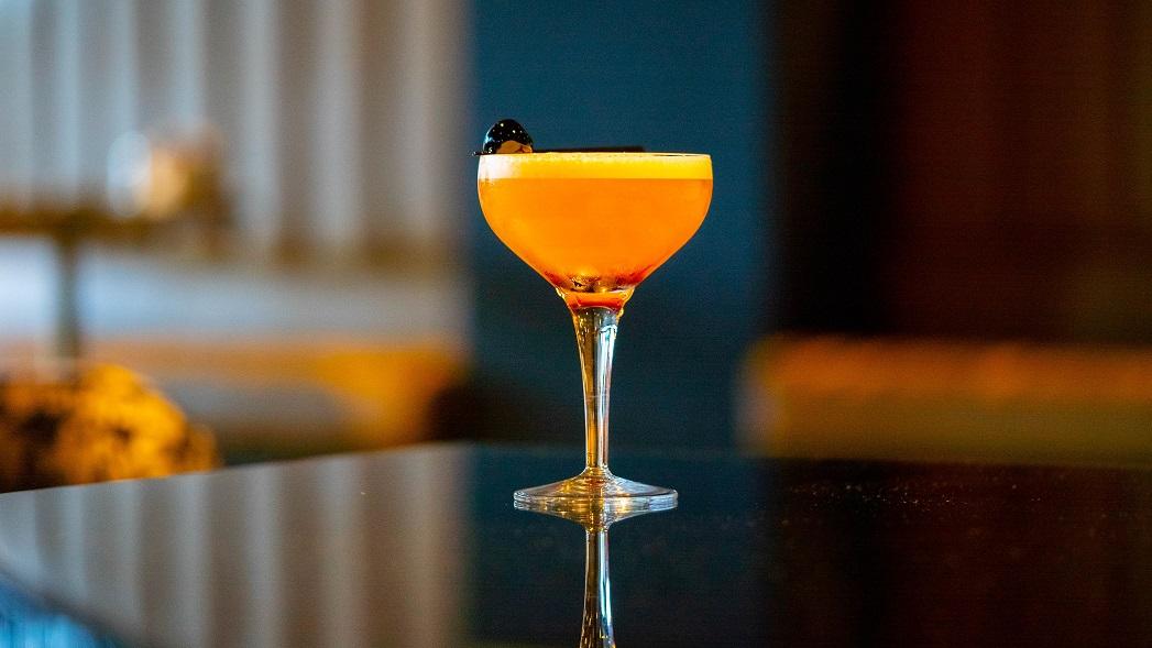 SCOTT'S TALE : Edinburgh Gin, Chambord, Pineapple Juice and Cherry Syrup