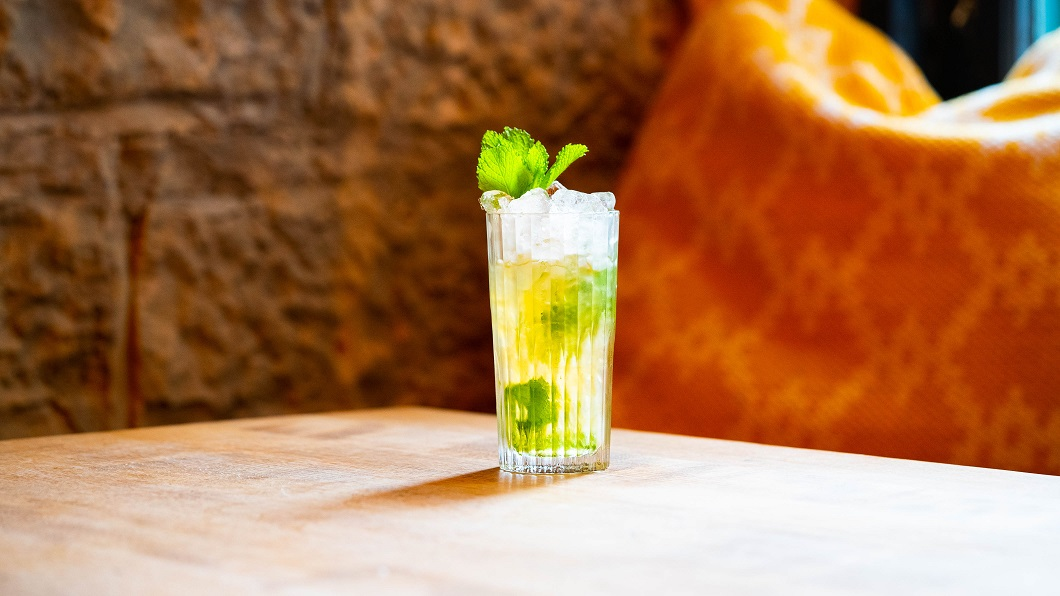 THE ARBROATH SMOKEY : Arbikie Chilli Vodka, Maple Syrup, Lime Juice and Mint