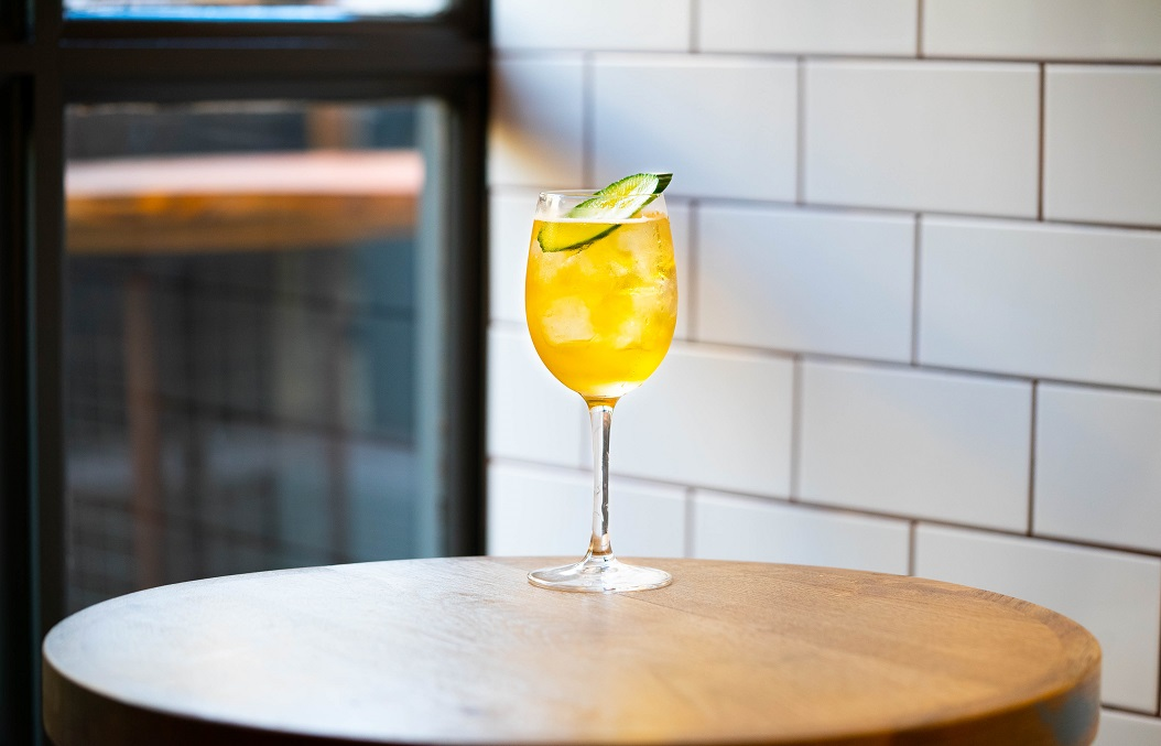 LIVE NAKED : Naked Grouse Whisky, Malic Acid and Ginger Syrup, topped with Sparkling Wine