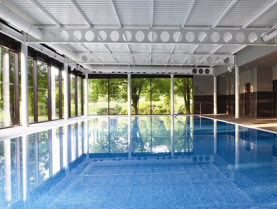 pool-with-a-view.jpg