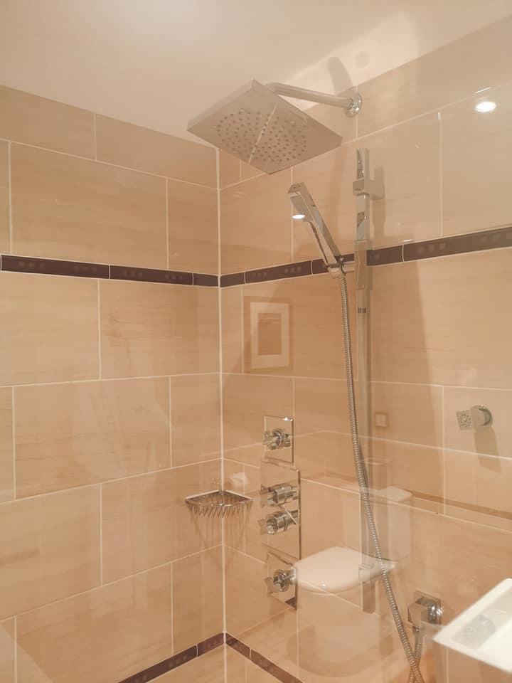 airds shower 2.jpg