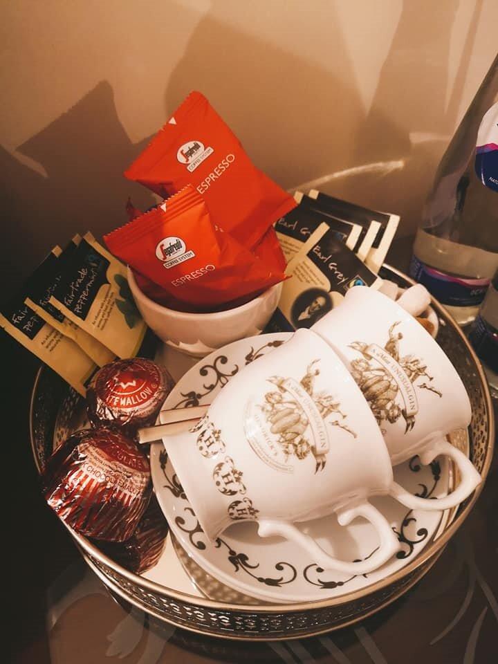 tea coffee in room.jpg