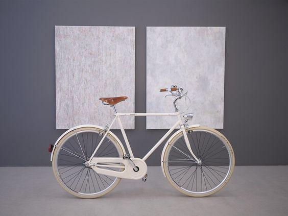 Sustainability article. Image of minimalist bike