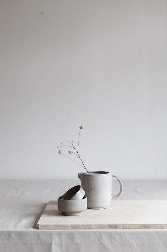 Minimalist Lifestyle Tips. Image of minimalist ceramics.jpg