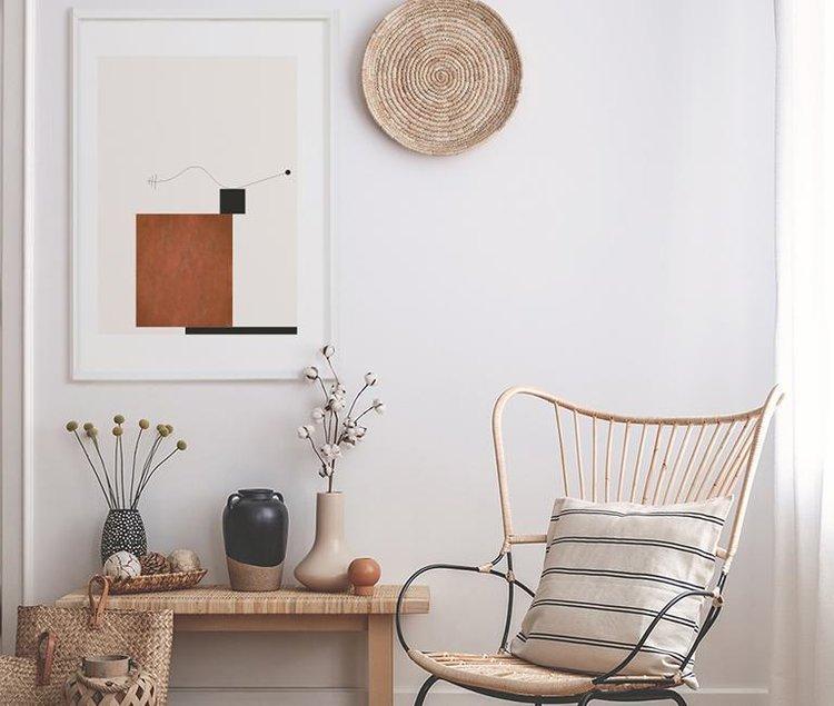 ジャパンディ風の椅子とポスター
