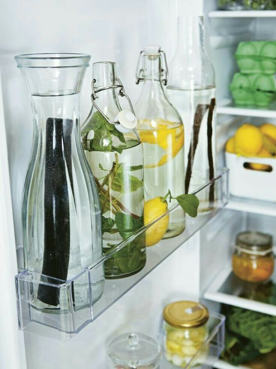 Sustainability+hacks.+Image+of+glass+bottles+in+a+fridge.jpg